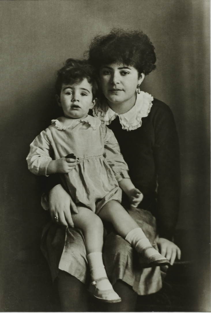 MUTTER UND TOCHTER, 1931 [MOTHER AND DAUGHTER, 1931]